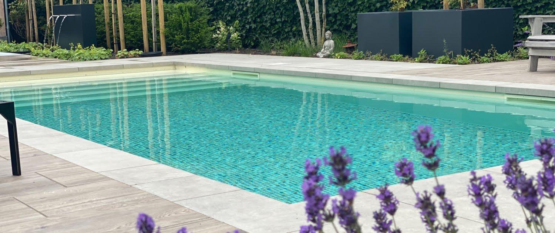 Tuinaanleg met luxe zwembad in Den Bosch